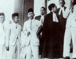 INDONESIA MENGGUGAT