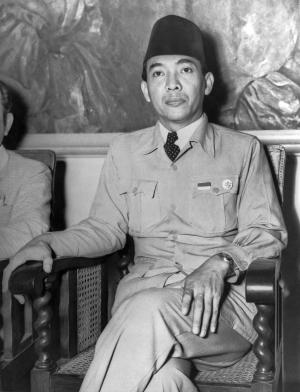 In a radio broadcast today, President Sukarno called upon the Indonesians to defend themselves from the Dutch in this struggle for freedom, Jogjakarta, Indonesia, July 21, 1947. He said the attack from the Dutch 'means the beginning of colonial warfare'. (Photo by Underwood Archives/Getty Images)